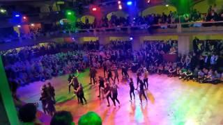 Gymnázium Arabská, ples 2017, půlnoční překvapení