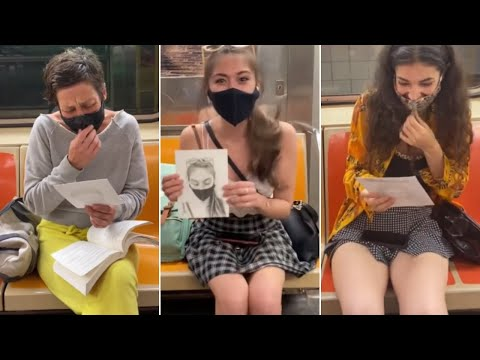 He Makes People Smile by Secretly Drawing Their Sketches