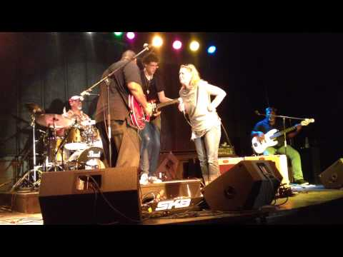 Impromptu performance with the Nerak Roth Patterson Blues Band