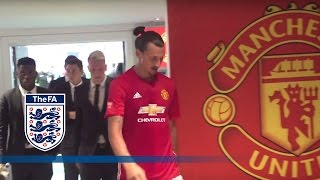 Leicester City V Man United  Tunnel Cam Ibrahimović Vardy 2016 Community Shield  Inside Access