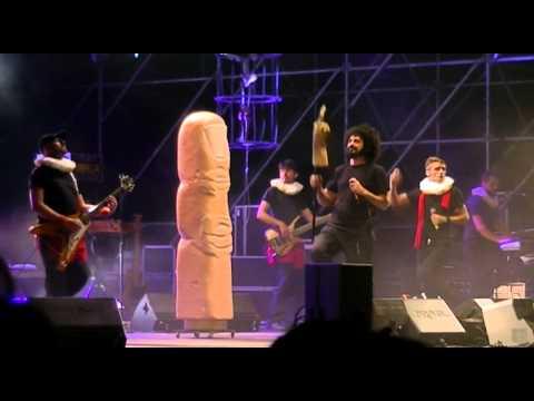 CAPAREZZA: eretico tour 2011 - il dito medio di galileo - concerto LORICA (cs)