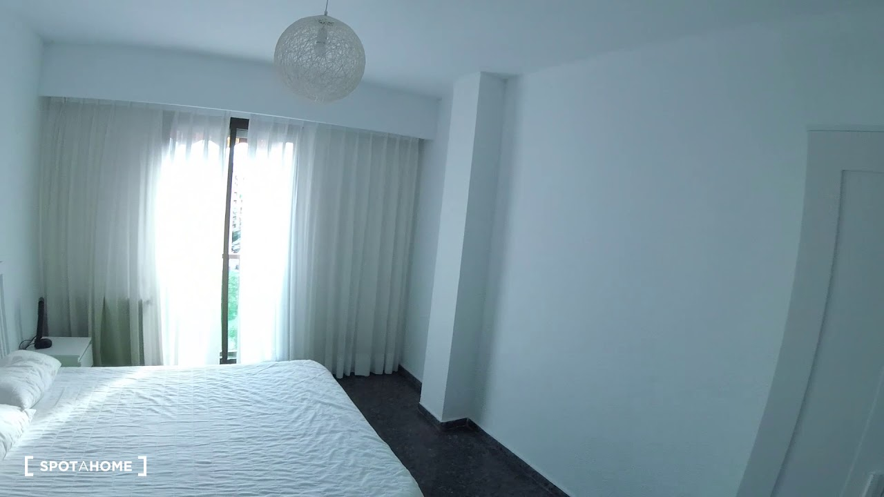 Bright 2-bedroom apartment for rent in Algirós