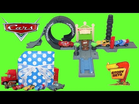 Disney Cars Luigi's Loop Story Sets Playset & Lightning McQueen And Mater