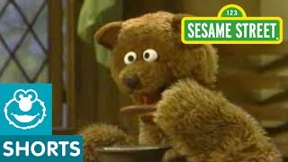 "Sesame Street: Baby Bear ""While the Porridge Cools"""
