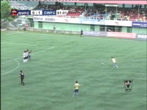 Футболист умира на терена след отпразнуването на гола си