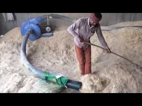Motor Operated Straw Loader