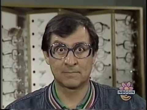 Classic Sesame Street - Luis Needs To Wear Glasses