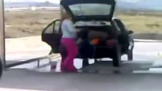 Бабы за рулём. Автоприколы с девушками. Видео приколы про девушек!