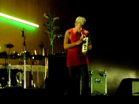 Atoms For Peace @ Fuji Rock '10 - Skip Divided