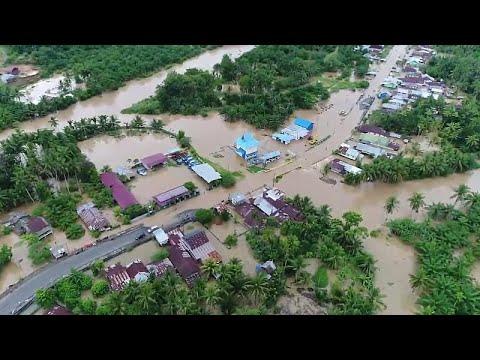 Ινδονησία: Πολύνεκρες πλημμύρες και κατολισθήσεις στη Σουμάτρα…