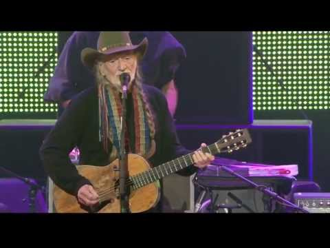 Willie Nelson - Good Hearted Woman (Live at Farm Aid 2013)