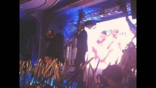 JoJo and Anthony Evans performing When you Believe at generosity water Event