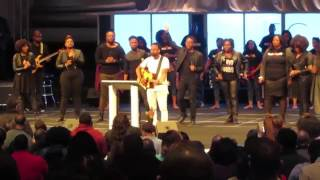 Tasha Cobbs: iLeadEscape2016 (Travis Greene: Holy Spirit/Just Want You/You Made A Way)