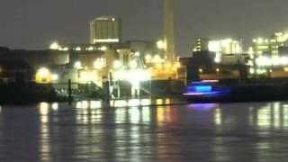preview picture of video 'Krefeld-Bilder einer Großstadt Teil 2-Der Rheinhafen bei Nacht'