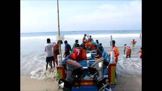 2013-12-25 Christmas morning on Kovalam beach Part 1