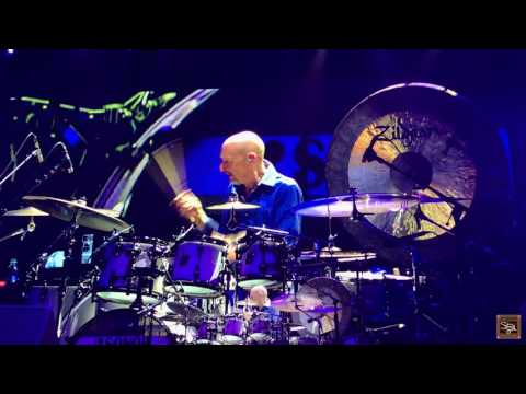 Steve Smith Drum Solo with Journey: Moline, 2017