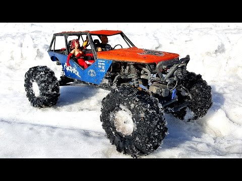 RC OFF Road Trucks - G-Made Crawler R1 Rock Buggy Vs Axial Wrait