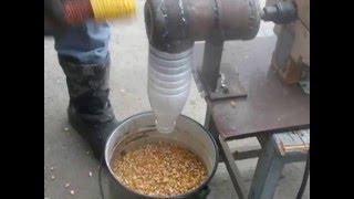 Лущилка для кукурузы своими руками из старой дрели.