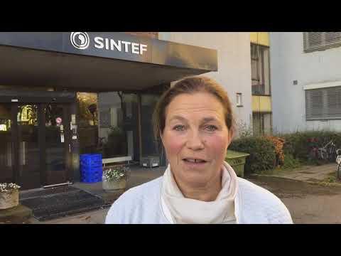 Alexandra Bech Gjørv, konsernsjef i SINTEF, og Svein Terje Strandlie, administrerende direktør i SINTEF Raufoss Manufacturing og klyngeleder i NCE Raufoss, om tildelingen av Norsk katapult. Video: SINTEF