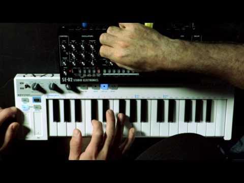 ROLAND SE-02 Audio Samples