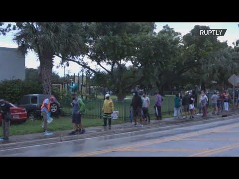 ΗΠΑ-προεδρικές: Οι ψηφοφόροι στη Φλόριντα έκαναν ουρές έξω από τα εκλογικά κέντρα