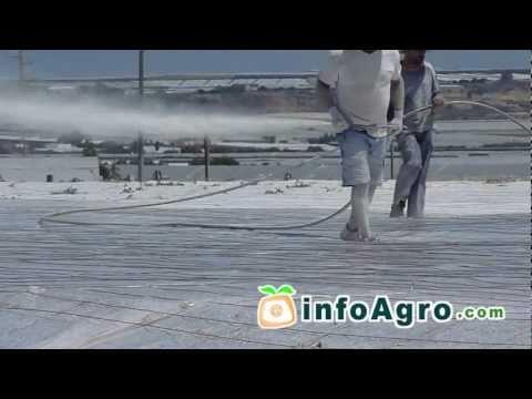 Fotograma del vídeo: Blanqueo de invernaderos (método de sombreo)