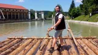 preview picture of video 'Floßfahrt auf der Isar: Die längste Floßrutsche Europas im Mühltal (bei Straßlach)'