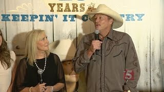 Country Music Hall Of Fame To Feature Alan Jackson Exhibit