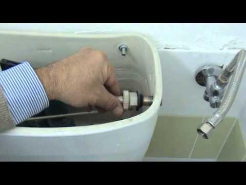 Come sostituire il galleggiante di una cassetta di scarico