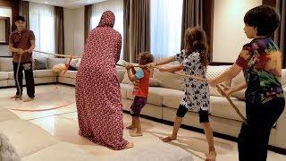 العائلة ضد الأب في سحب الحبل!