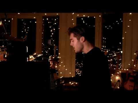 Benjamin Ingrosso - Home for Christmas (Acoustic Video)