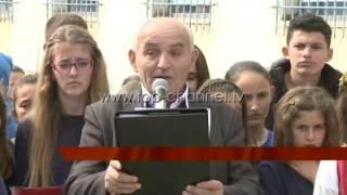 """Libra të rinj për nxënësit e """"Vajdin Lamaj"""" - Top Channel Albania - News - Lajme"""