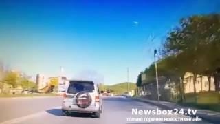 На улице Бородинской агрессивный водитель черного внедорожника угрожал автомобилисту