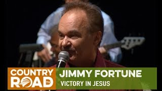 "Jimmy Fortune sings ""Victory in Jesus"" on Country's Family Reunion"