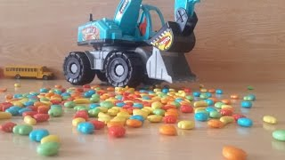 CARS AND TRUCKS - Crane Truck  With A Lot Of Candy |Part 2| by HT BabyTV
