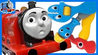 Train Toy Broke Down | James the Red Engine Serviceman Repairs Friends