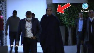 شاهد ملامح الحسرة على أيت منا وهو يغادر مركب محمد الخامس بعد هزيمة قاسية أمام الوداد الرياضي برباعية