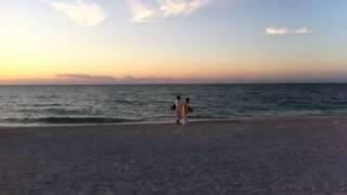 preview picture of video 'Puesta de Sol Playa de Celestún'