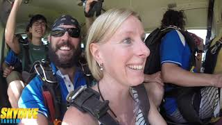 Tandem Cairns Skydiving offers a spectacular location for a Tandem Skydive and your extreme skydiving adventure.