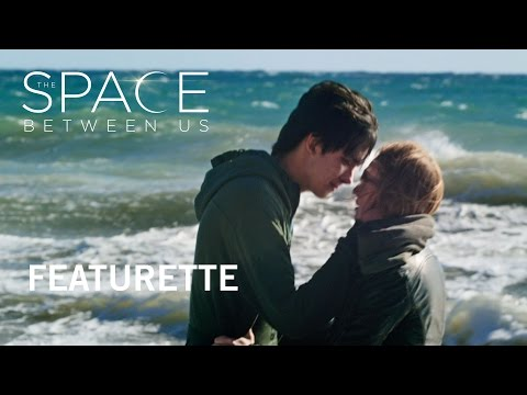 The Space Between Us (Featurette)