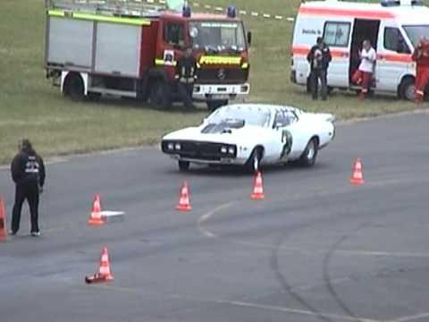 Dodge Charger Kotflügel defekt 10,18 sec