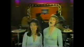 Julie Andrews & Eydie Gorme - I Am Woman & Rain Medley