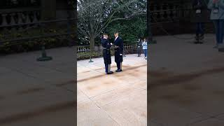 Guard fails inspection at The Tomb of The Unknown Soldier