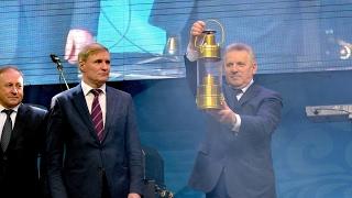 В Хабаровск доставлен Огонь III Зимних Всемирных военных игр