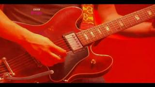 Arctic Monkeys - This House is a Circus - Live at Reading Festival 2009 [HD]