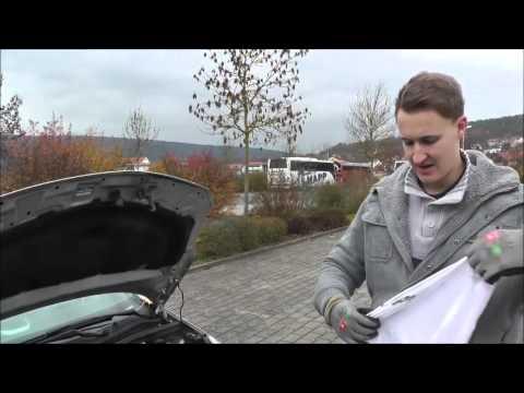 Das Benzin aus dem Vergaser gerät in den Luftfilter