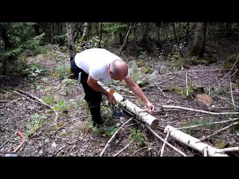 Ein dekorativen Messerhalter aus einem Birken Baumstamm bauen.