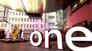 "Ellie Goulding ""Sixteen"" Live   The One Show   BBC One"