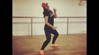 nikki galrani dance performance in siima 2018 - मुफ्त
