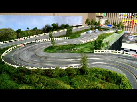 1/32 Wooden Routed Slot Car Track – 1960's theme – Scalextric C68 LIGHTED Aston Martin Test Drive